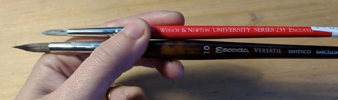Différents pinceaux synthétiques pour l'aquarelle : Escoda 1540 ou Windsor et Newton University