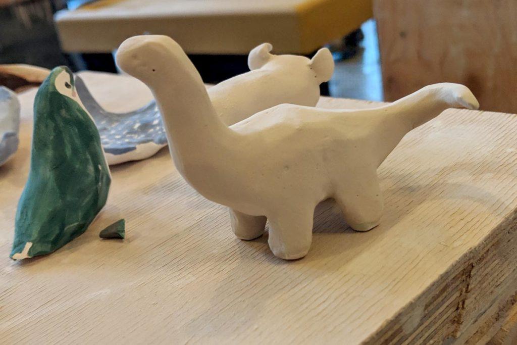 dinosaure céramique émaillé avant cuisson