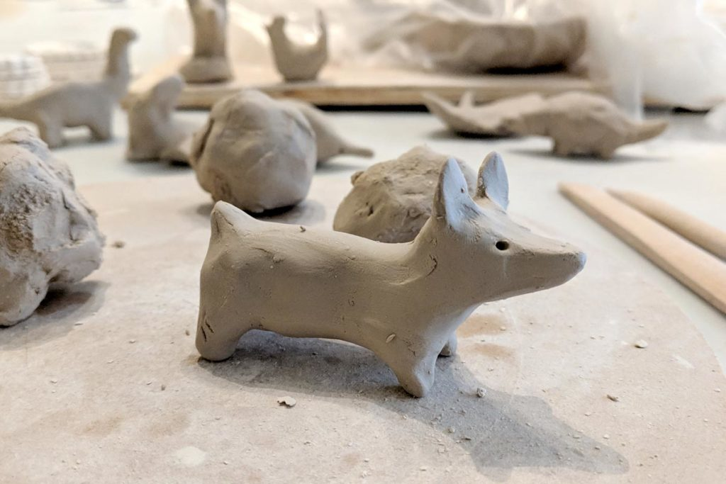 modelage corgi en ceramique