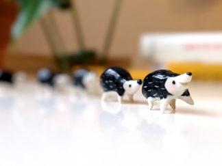 famille hérissons ceramique miniatures