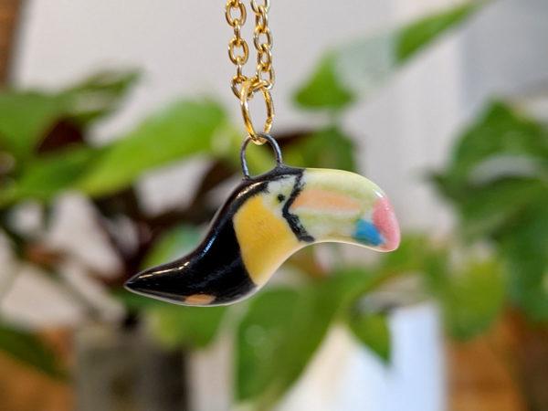 pendentif toucan céramique