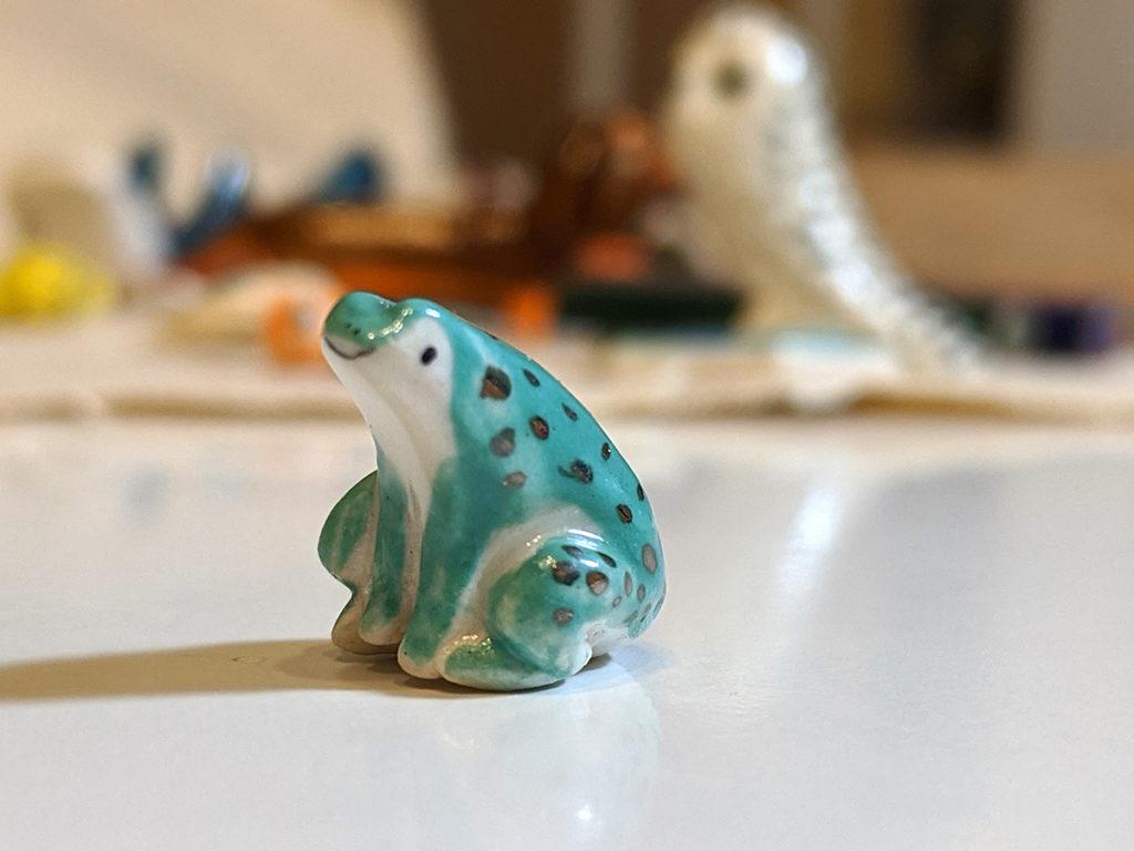 grenouille porcelaine