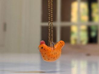 poule rousse pendentif