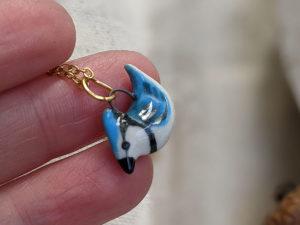 pendentif geai bleu