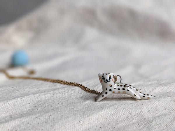 gold cheetah pendant guépard