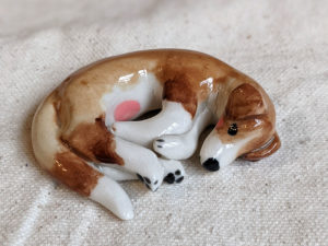 Figurine chien porcelaine