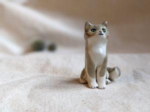 porcelain cat figurine grey tabby longhair