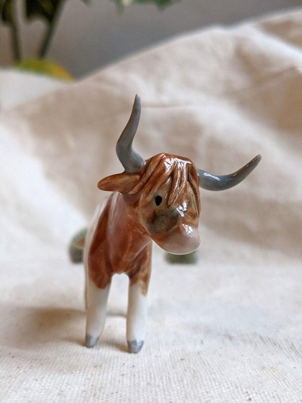 porcelan highland cow figurine